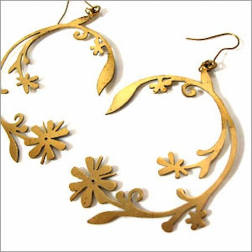 Vine flower  earring  in brass hand sawing