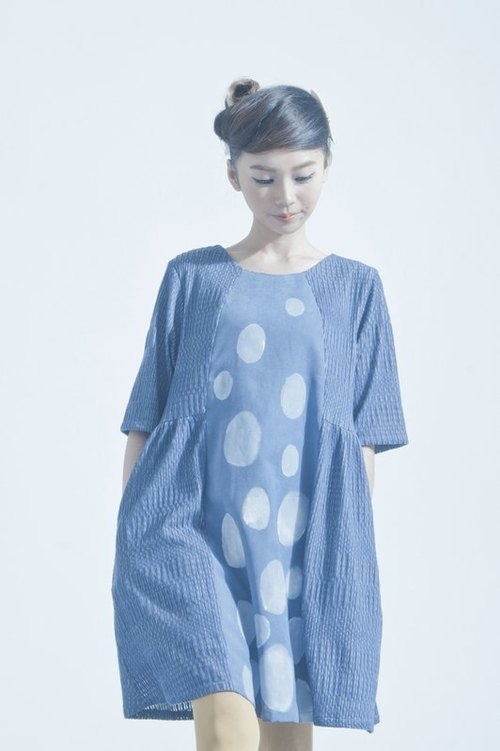 {Little Treasure} Dot One-piece hand-painted blue and gray