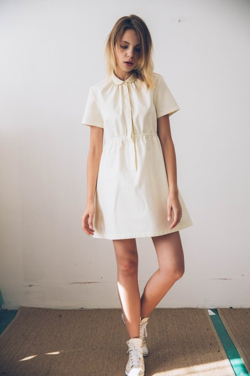 SHEABUTTER dress (round collar short sleeve dress).