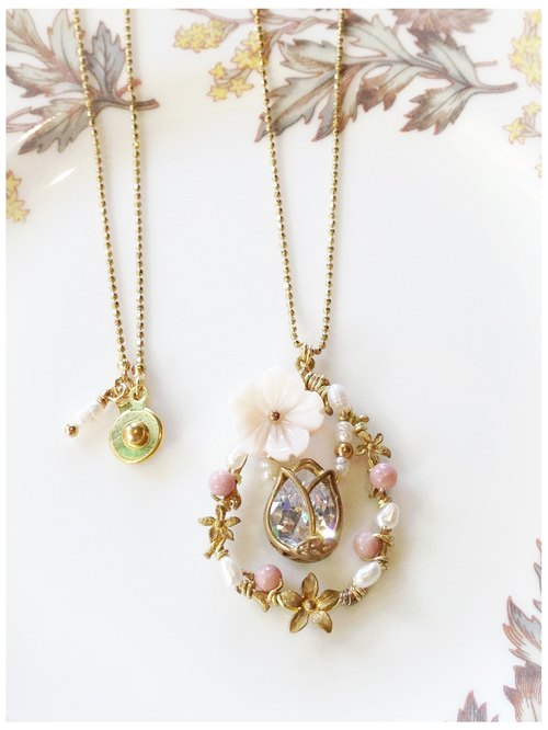 + Minertés = Bright and Elegant - Flower Light Necklace +