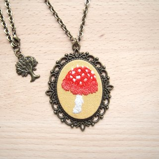 § § sunset red mushroom necklace handmade embroidery