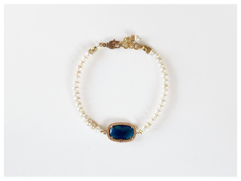 ∴Minertés = Classical Phnom Penh inlay Sapphire crystal pearl bracelet ∴