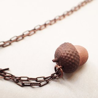 Acorn pendant with metal necklace