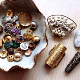 Old things - a combination of old buttons with jewelry
