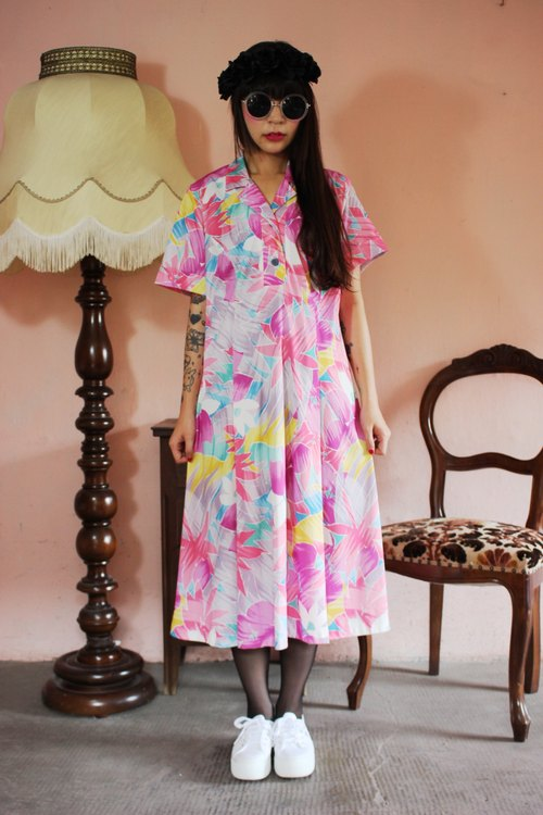 F1142 (Vintage) big pink flowers pink vintage dress color cloth flowers