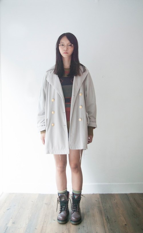 Windbreaker gray hair feeling soft gold buckle vintage coat