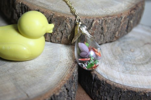 The color of dried flowers handmade glass cover long necklace