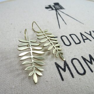 Leaf earring version 1
