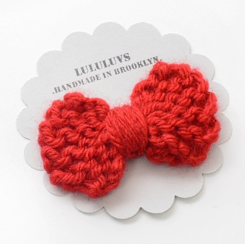 US LULULUVS handmade hairpins - knit small red bow hairpin
