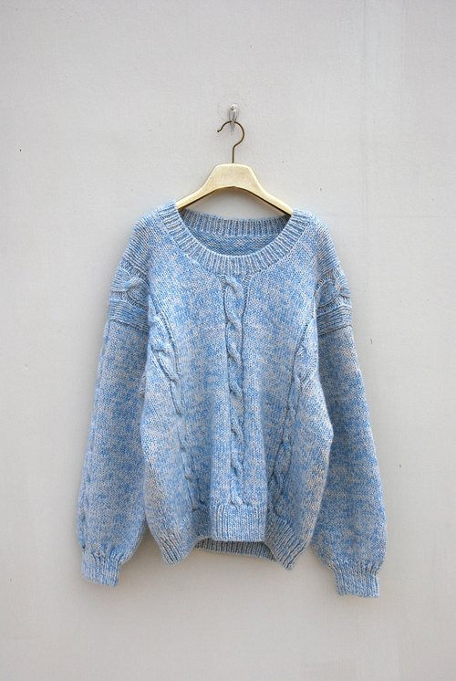 Vintage blue sky twist sweater