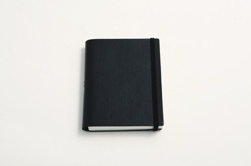 Vattern notebook Plain leather notebook A5 < black >