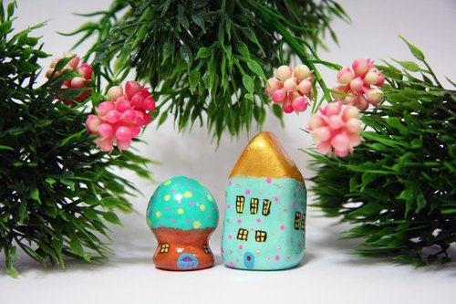Little House Little House - Ningxia powder Shuiyu minaret House / Minions combination mushroom house