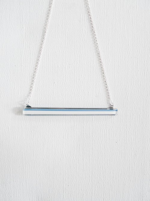 Simple swing kiln glass necklace
