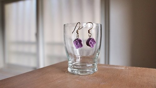 OldNew Lady- antique flower ear hook Series - [purple] four florets (the only paragraph)