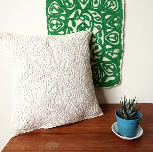 BajuTua / warm old stuff / antique snowflake # 1 exquisite handmade lace pillow (in / with handmade pillow)