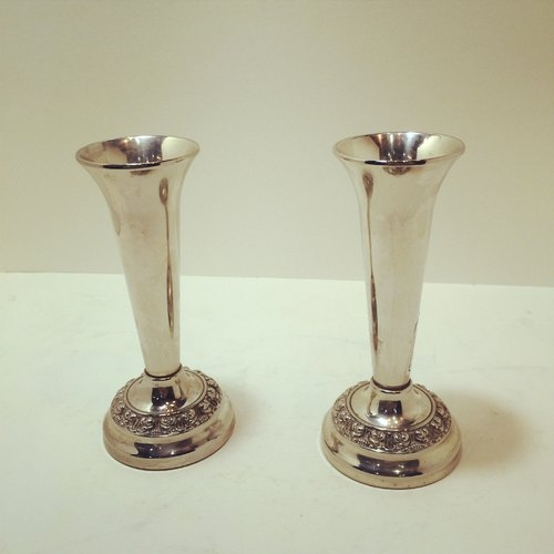 Britain made the old silver-plated silver-plated candlesticks one pair of devices