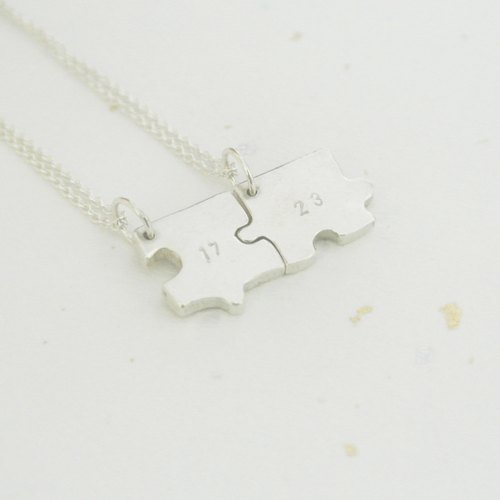 [Valentine's Day recommended] (couples gifts) [customization] jigsaw puzzle necklace sterling silver necklace (with hands feel knocked 3 words or less)