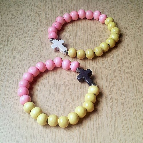 Alice Beard Little Star - Wooden cross beaded bracelet ★