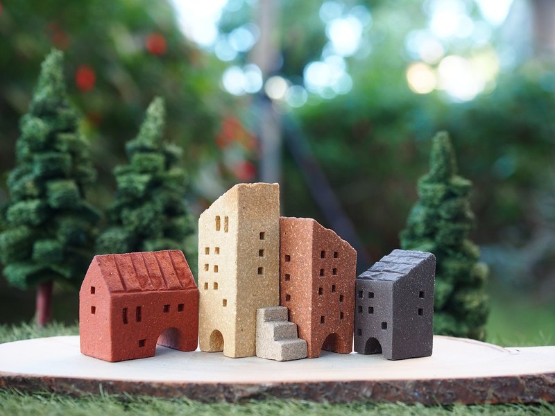 【小小村 Simple Village 】手作陶小房子/街道- 5件/組(附樓梯,四面皆有窗,可任意組合)接單製作