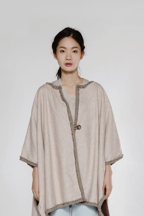 Double-sided wear cloak Reversible Poncho Beige (Light Sand)