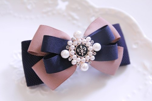 French aristocratic style bow clip