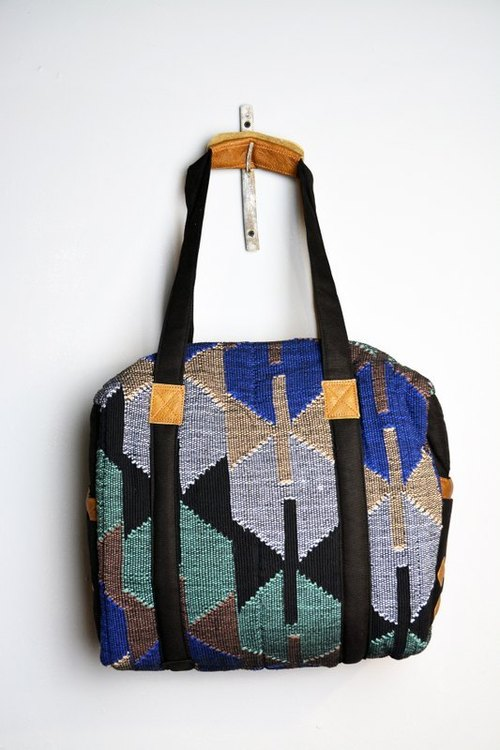 Small hand-woven bag _ fair trade
