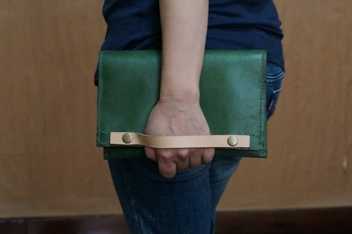 For men and women hand-sewn Clutch