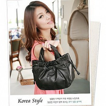 [LaPocheSecrete natural leather] stylish compact - Drawstring leather mini handbag - ((imported leather made)) - wild black