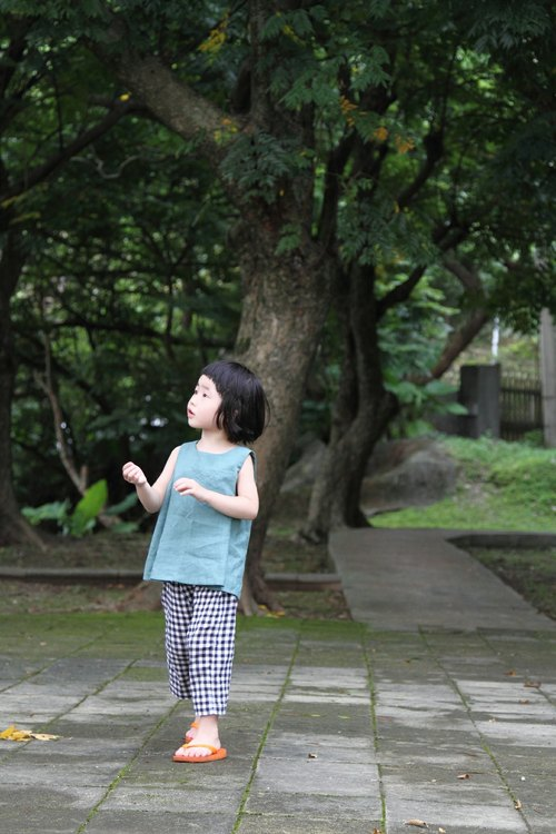 bibieveryday handmade kids clothes / trees / linen umbrella vest jacket