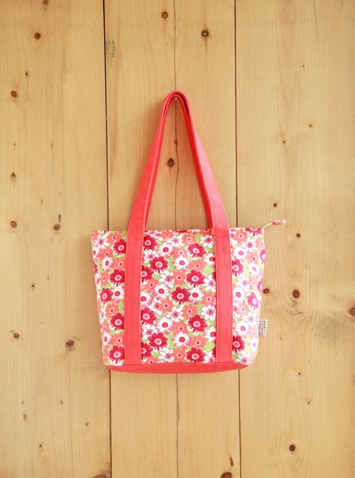 [Classic shoulder bag] flower red pigment inside