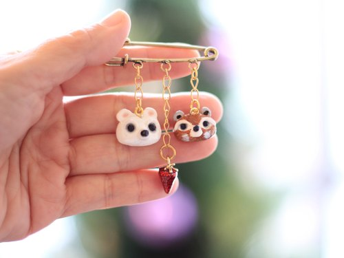 Little polar bear and baby panda pin, brooch - animal brooch