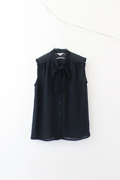 [RE0727T1258] Japanese minimalist black tie vintage sleeveless shirt