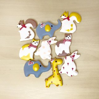 Small animal party combination frosting cookies by An Studio