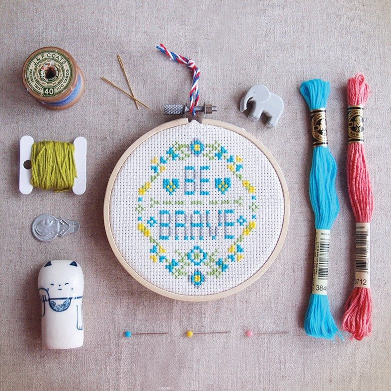 Modern quote Cross Stitch KIT DIY - Be Brave