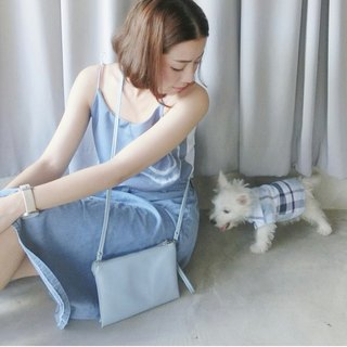 SANDWICH CROSSBODY CLUTCH (LIGHT BLUE)