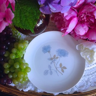 ♥ ♥ Annie crazy Antiquities British bone china Royal Queen Wedgwood Ice Rose Ice Rose cake pan, dessert plate fruit plate ~ New Stock
