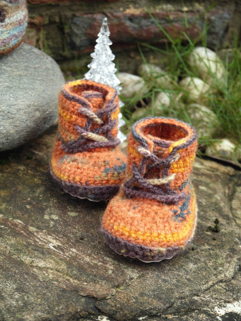 Handmade knit baby shoes ~ handsome Boots (orange)