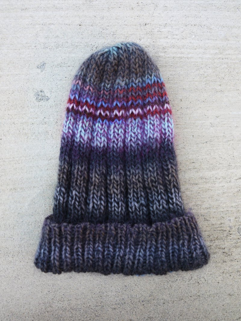 Mama 100% hand-made hat - purple folk pattern