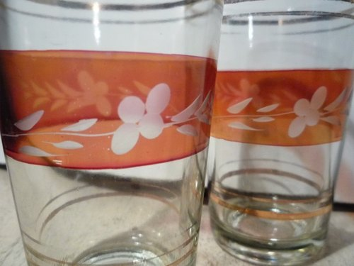 2 Vintage 10cm Glasses with carving Pattern 2 beautiful hand-carved glass 10 cm
