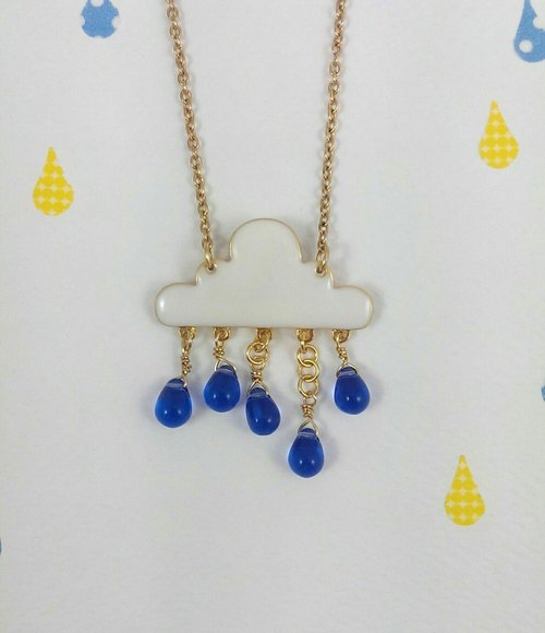 Rain Hello! Clouds children raindrops necklace (sapphire blue raindrop)
