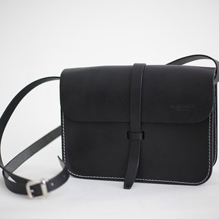 New saddle bag vegetable tanned leather retro handmade square bag commuter black