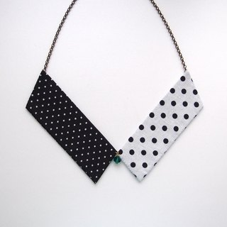 Collar Necklace| Black & White Dots