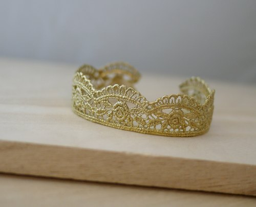 [Jin Xialin ‧] small jewelry rose lace bracelet brass