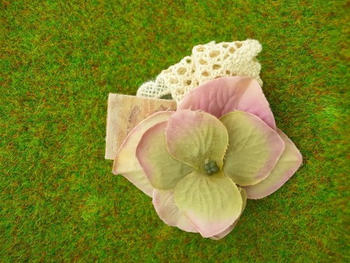 """Garden Series"" purple flower brooch"