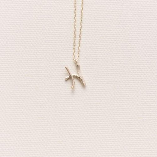 Initial Blanche Initial charm necklace H of twigs