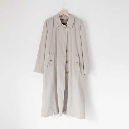 A ROOM MODEL - VINTAGE, CJ-2240 BURBERRY Long beige coat with retro Shimokitazawa
