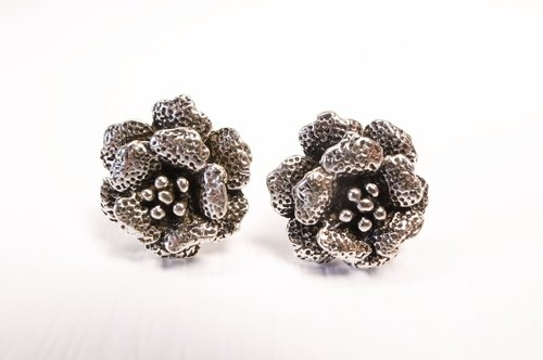 """Ermao Silver"" [Silver Peony earrings] (Code: 37-0012)"