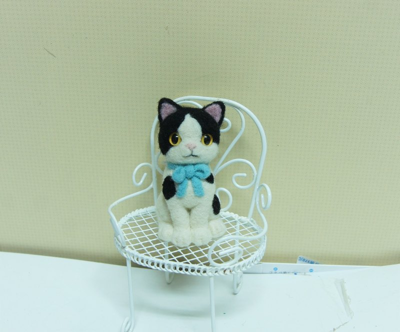 [Sheep wool felt music and more X] black and white cat mobile phone strap headphone plug