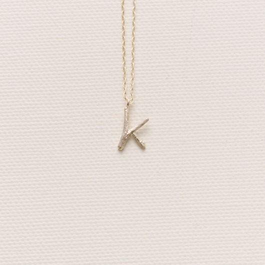 Initial Blanche Initial charm necklace K of twigs