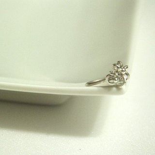 Three-dimensional flower Silver Ring
